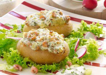 Pommes de terre farcies aux crevettes-min