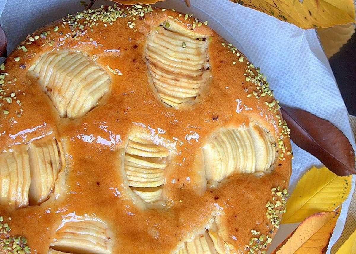 Gâteau moelleux aux pommes serrées