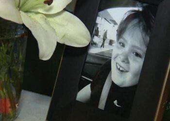 adieu-petit-ange-un-garcon-autiste-de-13-ans-decede-apres-avoir-ete-violente-a-lecole-1200x667