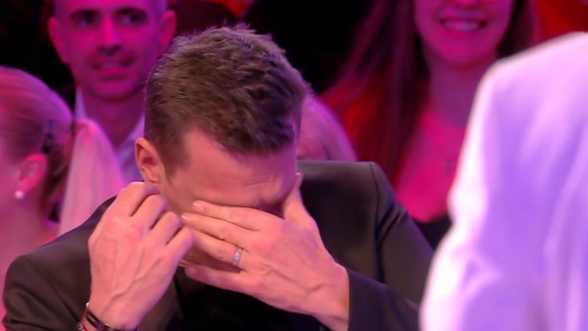 Benjamin Castaldi craque et pleure : les clichés de sa femme Aurore sèment la zizanie sur TPMP.