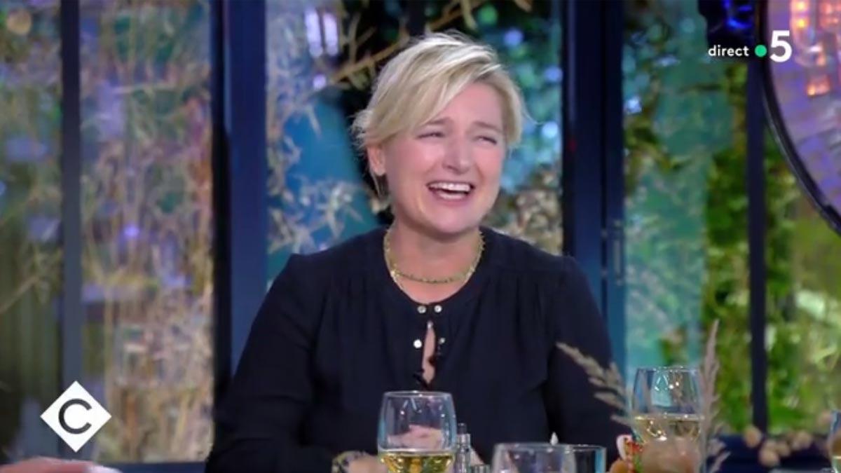 C à vous : pris au dépourvu par un effroyable fait divers Anne-Elisabeth Lemoine a évoqué à contrecœur le menu de son dîner.