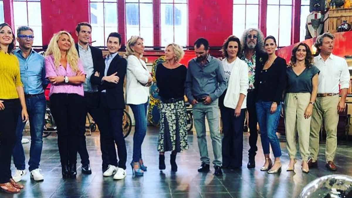 Sophie Davant au cœur d'un scandale : cette photo avec les acheteurs d'Affaire conclue qui fait jaser !